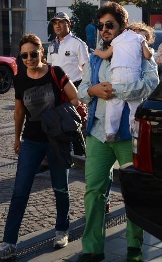 Ebru Gündeş'in ailesiyle pazar keyfi