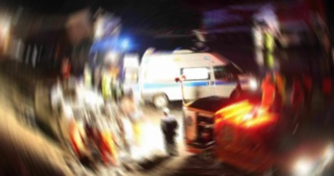 İstanbul'da refüje çarpan motosiklet sürücüsü hayatını kaybetti