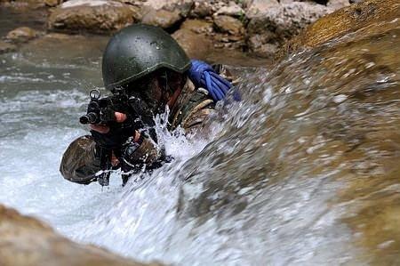 Eğirdir'de zorlu komando eğitimi