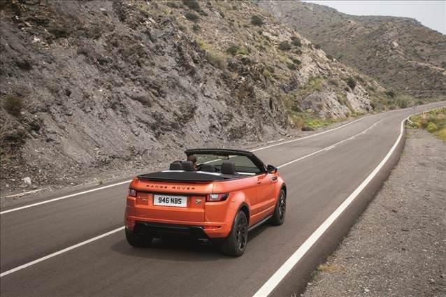 Range Rover Evoque Üstünü Açtı