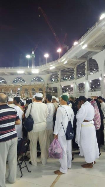 Türk hacılar, alçak darbe girişimine karşı Umre'de toplu dua etti!
