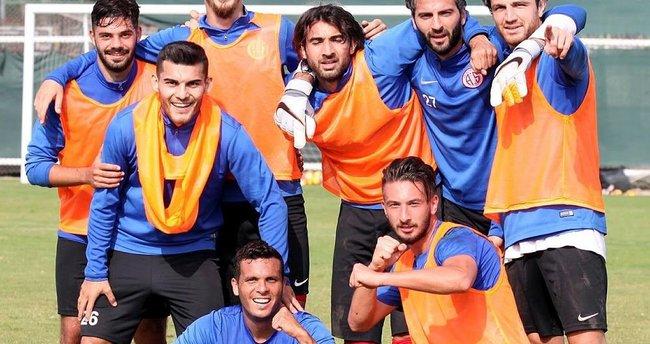 Antalyaspor, Trabzonspor karşısında bir ilk peşinde