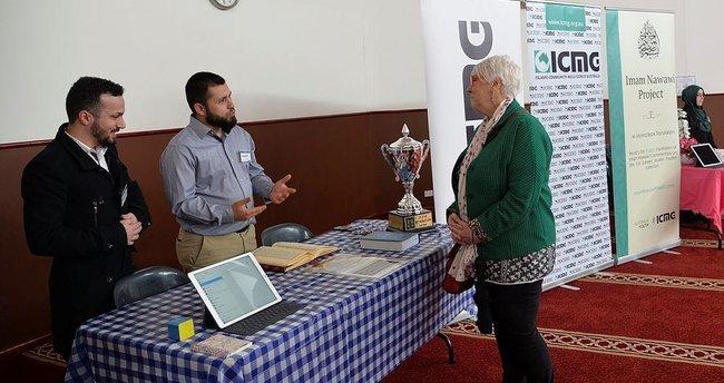 Avustralya'daki Türkler komşularına İslamiyeti anlattı