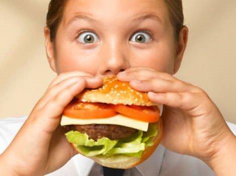 Hareketsiz tatil çocukları obez yapmasın!