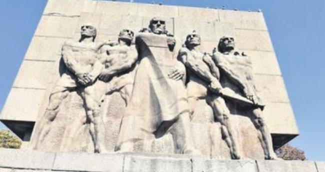 Anıt artık 'Güven'de