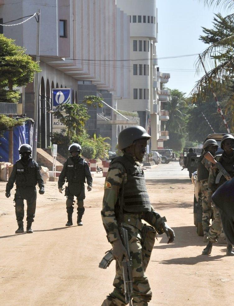 Mali'de rehineleri kurtarma operasyonu böyle görüntülendi!