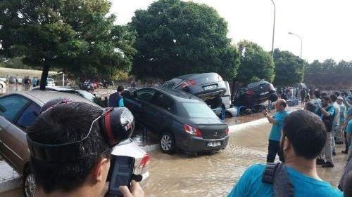 Eskişehir'de OSB'yi sel bastı