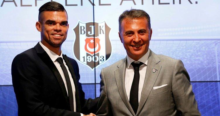 Beşiktaş'ın yeni transferi Pepe imzayı attı