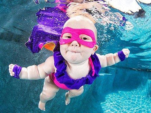 Bebekler sualtında daha mutlu