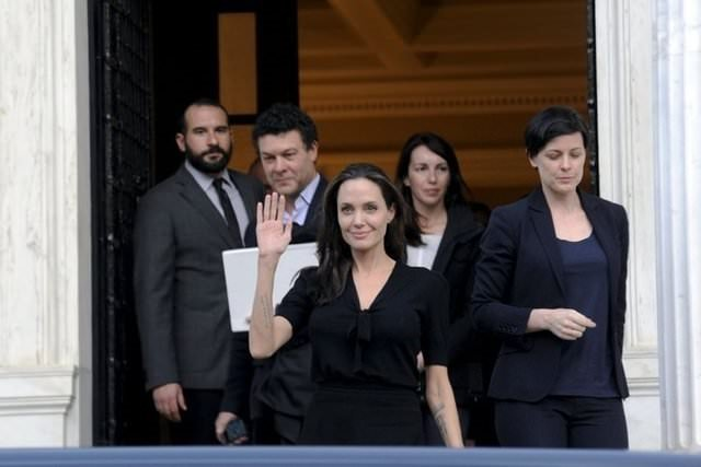 Angelina Jolie mum gibi eridi