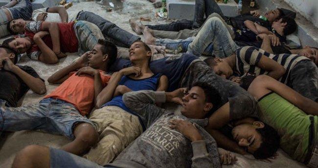 Akdeniz'de 400'den fazla göçmene hala ulaşılamadı!