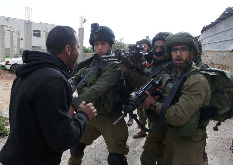 İsrail askerleri ile Filistinliler arasında gerginlik çıktı!