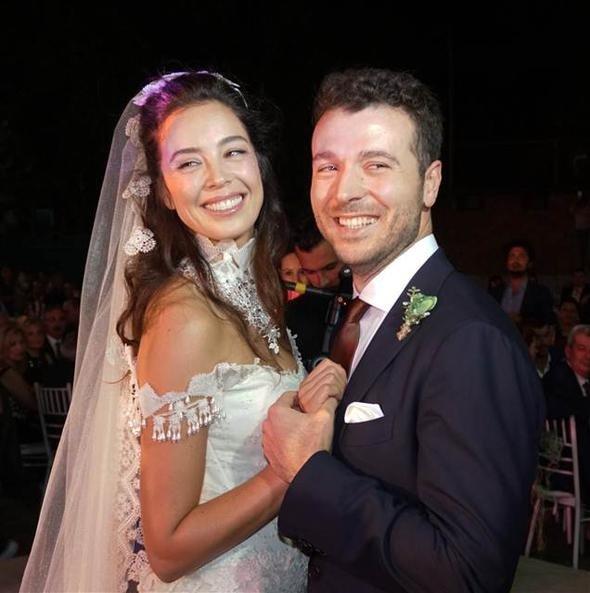 Azra Akın Edirne'de evlendi - Sayfa 1 - FotoHaber - Magazin - 17 Eylül 2017 Pazar