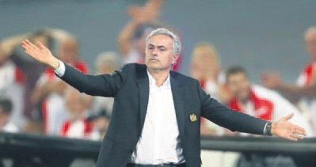 Mourinho: Adam olun!