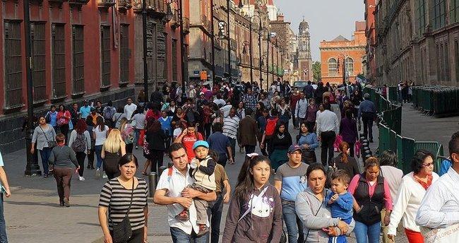 Meksika sınır dışı edilen vatandaşlarına sahip çıkıyor
