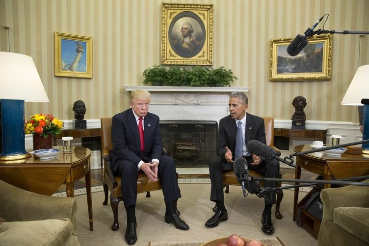 Trump Obama görüşmesinde mimik savaşları