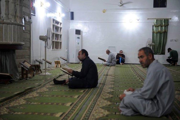 Türkmenler camilere sığındı