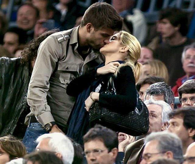 Shakira: Sevgilim erkekle klip çekmeme izin vermiyor