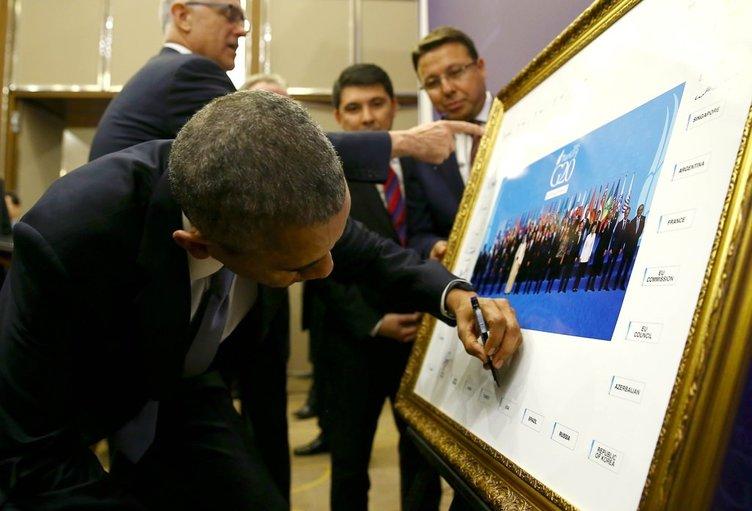 Liderler aile fotoğrafına imza attılar