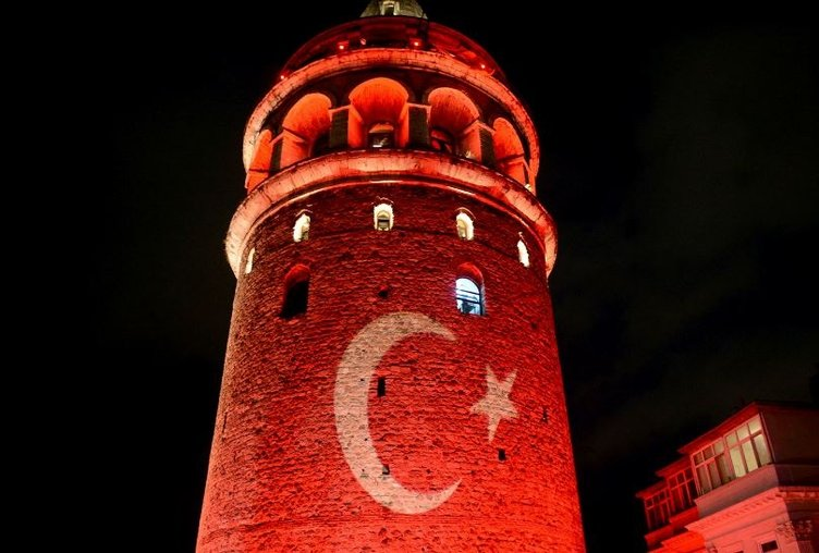 Galata Kulesi 'Demokrasi Nöbeti'nde