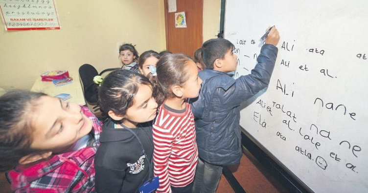 Sığınmacılara Türkçe dersi