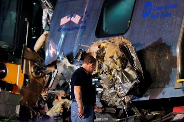 New York'ta tren raydan çıktı: 29 yaralı
