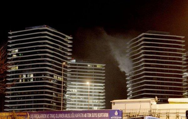 Zorlu Center'da yangın