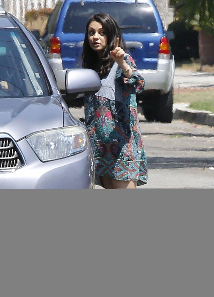 Mila Kunis'in hamilelik dönemi sıkıntılı geçiyor