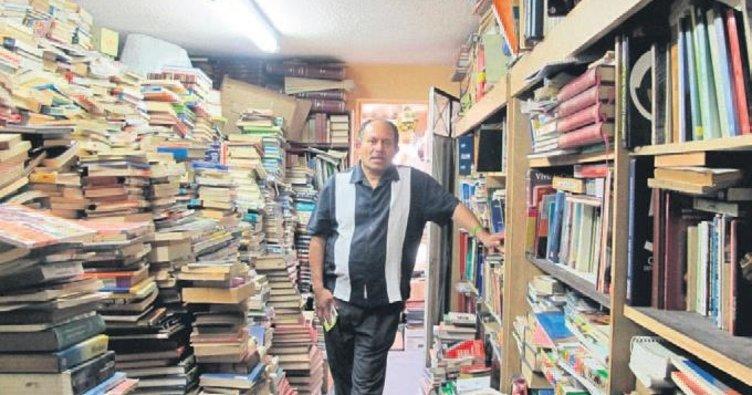 20 yılda sokaklardan 25 bin kitap topladı