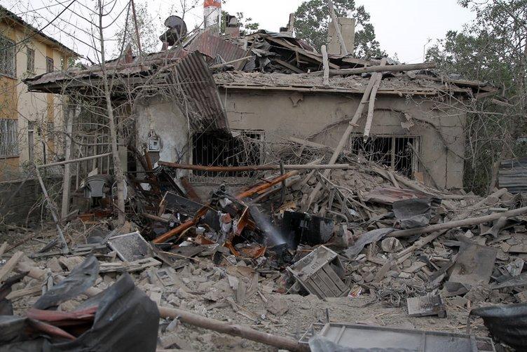 Van'da PKK'lıların evlerinde savaş mühimmatı çıktı!