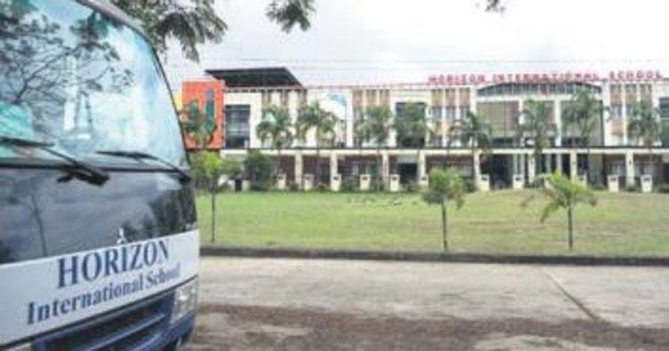Myanmar'da FETÖ okulundan silah çıktı