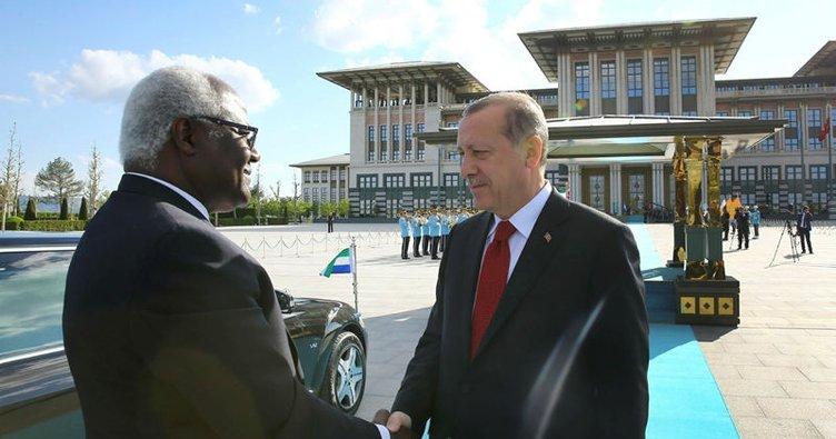 Cumhurbaşkanı Erdoğan, Koroma onuruna yemek verdi