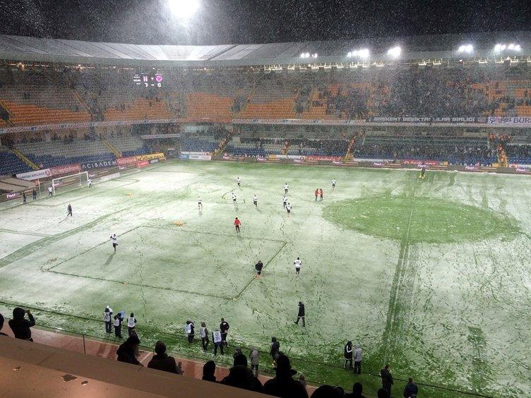 Beşiktaş Mersin idmanyurdu maçı tatil edildi