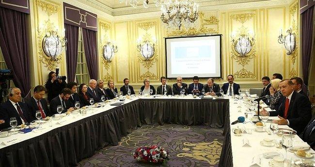 Erdoğan SETA Vakfı'nın toplantısına katıldı