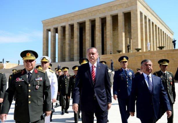 Anıtkabir'de hatıra fotoğrafı