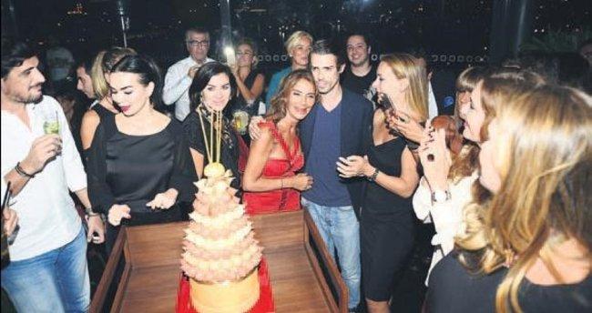 Cemiyet hayatı doğum günü partisinde buluştu