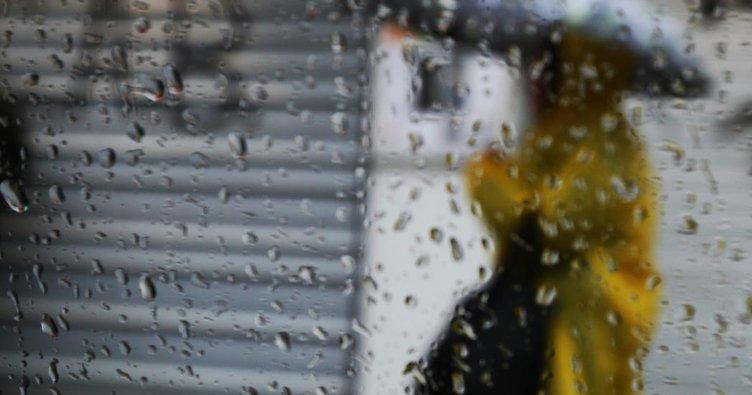 İstanbul'da yağmur ve dolu etkili oluyor