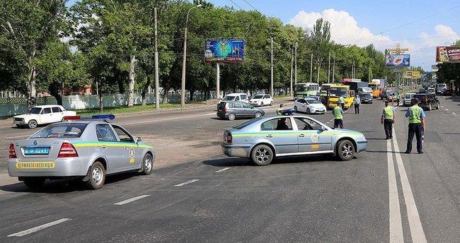 Trafik kurallarını ihlal eden sürücü 2 polisi öldürdü!