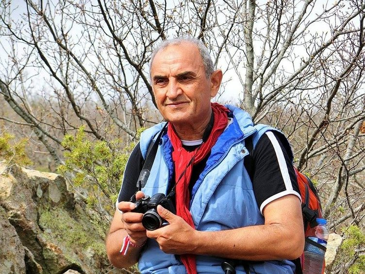 Fotoğraf çekmek isterken kayalıklardan düşüp öldü