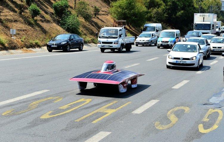Güneş enerjisiyle çalışan otomobil