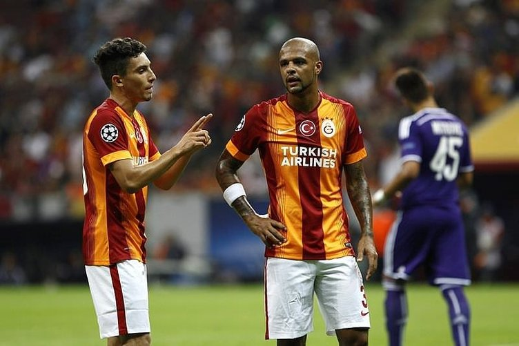 Galatasaray'da iki sürpriz ayrılık