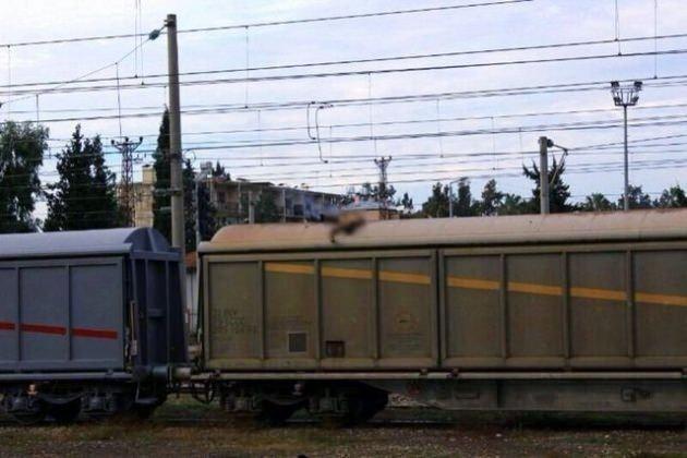 Vagonun üzerinde ölüm pozu verdi!