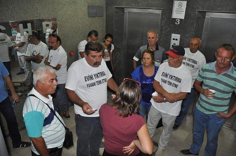 CHP'ye yatılı işgal