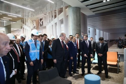 Cumhurbaşkanı Erdoğan 3. Havalimanı inşaatını inceledi