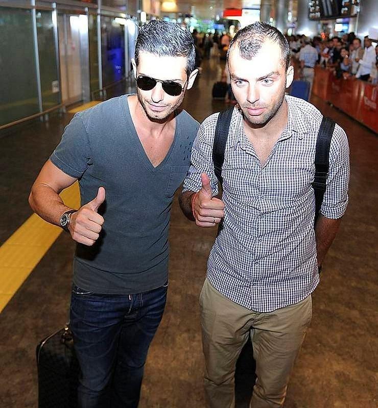 Galatasaray'da çifte ayrılık