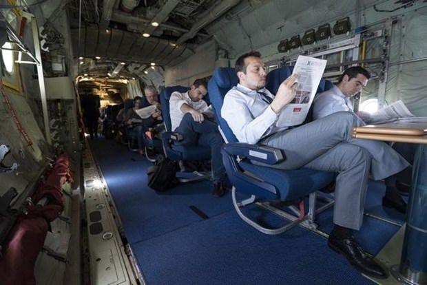 Çipras  nakliye uçağı kullanmak zorunda kaldı!