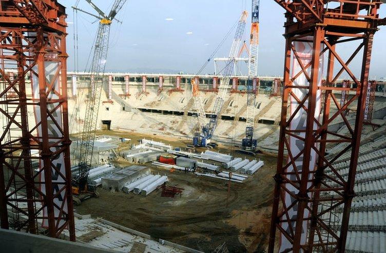 Timsah Arena Stadı inşaatında sona doğru