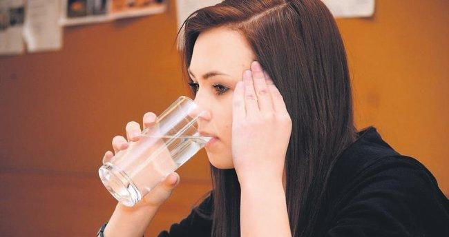 İdrar kaçırma sebebiniz az su içmek olabilir