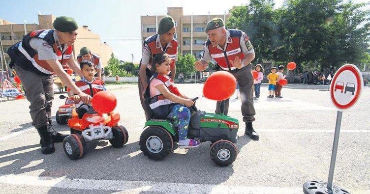 Jandarmadan trafik eğitimi