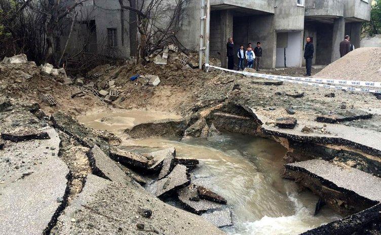 Van'daki patlamanın ortaya çıkardığı tahribat görüntülendi